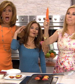 Learn how to make the delicious low calorie vegetable lo mein and peach melba that Today nutritionist Joy Bauer made on the Today show with Kathie Lee Gifford and Hoda Kotb on Thursday, June 4, 2015.