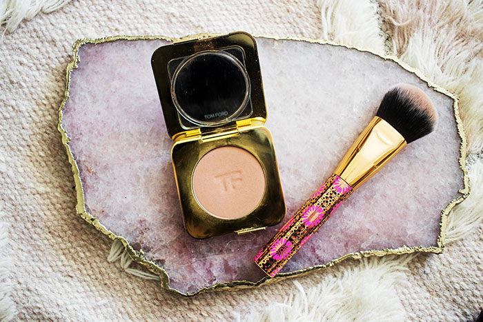 Beauty blogger, Candie Anderson shares her Tom Ford bronzing powder, and Tarte makeup brush that are 15% off at the Sephora VIB Rouge Sale.