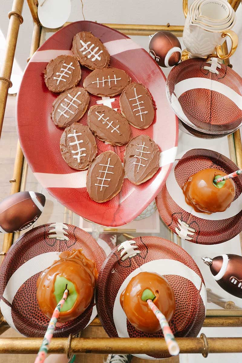 Lifestyle expert, journalist and blogger Candie Anderson has the scoop on how to decorate your bar cart with desserts for football tailgate season, kickoff, and Super Bowl.
